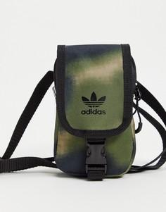 Сумка через плечо с камуфляжным принтом adidas Originals Map-Зеленый цвет