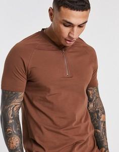 Облегающая футболка с горловиной на молнии ASOS 4505-Коричневый цвет