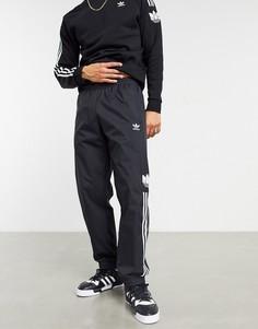 Черные джоггеры с объемным принтом трилистника и тремя полосками adidas Originals-Черный цвет