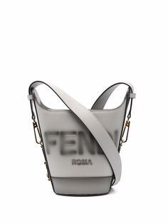 Fendi сумка-ведро с тисненым логотипом