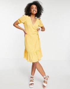 Платье песочного цвета в горошек с присборенной юбкой и запахом JDY-Желтый