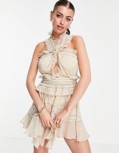 Платье мини ярусного кроя с завязкой на шее, декором и необработанным краем ASOS DESIGN-Светло-бежевый