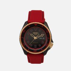Наручные часы Seiko x Street Fighter V Seiko 5 Sports Ken, цвет красный
