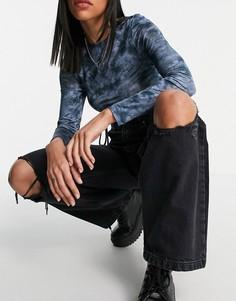 Свободные джинсы выбеленного черного цвета с рваной отделкой ниже колена Topshop-Черный цвет