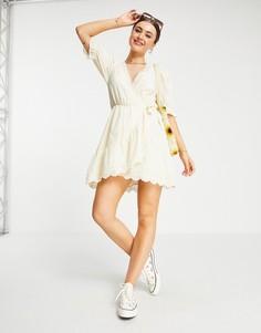 Кремовое платье мини с вышивкой ришелье, запахом и клеткой в тон ASOS DESIGN-Белый