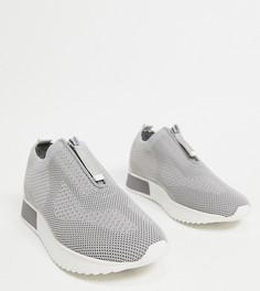 Серые кроссовки без застежки из трикотажа для широкой стопы River Island-Серый