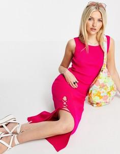 Ярко-розовое трикотажное платье макси с глубоким вырезом на спине и декоративной шнуровкой Miss Selfridge-Розовый цвет