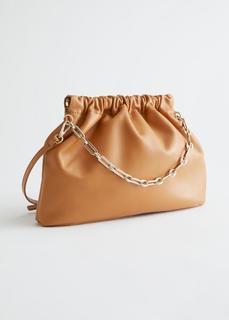 Кожаная сумка со сборками на ремне-цепочке & Other Stories