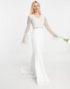 Белое платье с длинными рукавами и кружевом Virgos Lounge Petite Bridal-Белый