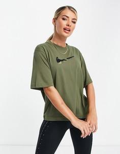Свободная футболка цвета хаки с высоким воротником и короткими рукавами Nike Training Dri-Fit-Зеленый цвет