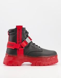 Черные ботинки на шнуровке из искусственной кожи с отделкой красной лентой на массивной подошве ASOS Unrvlld Spply-Многоцветный