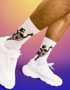 Белые спортивные носки с принтом Тасманского Дьявола ASOS DESIGN Space Jam: A New Legacy-Розовый цвет