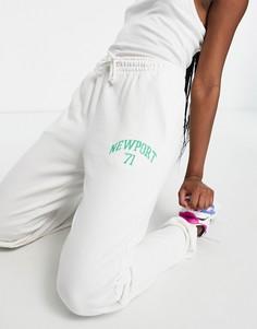 """Белые джоггеры с принтом """"Newport"""" на штанине (от комплекта) Topshop-Белый"""