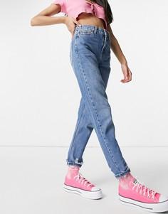 Голубые джинсы из переработанного смесового хлопка в винтажном стиле со рваной отделкой по низу штанин Topshop-Голубой