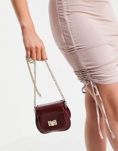 Маленькая лакированная сумка через плечо винного цвета и закругленной формы Truffle Collection-Красный