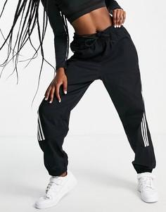 Тканые спортивные брюки черного цвета с тремя полосками adidas Training-Черный цвет