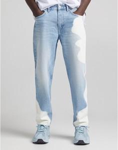 Голубые джинсы свыбеленными пятнами встиле 90-х Bershka-Голубой
