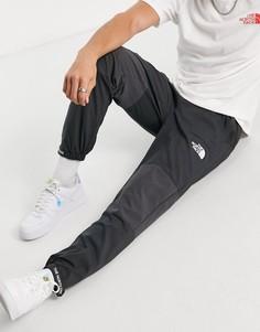 Серые джоггеры The North Face Mountain Athletic-Серый