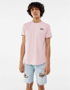 Розовая футболка с принтом на груди Bershka-Розовый цвет
