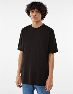 Черная удлиненная футболка Bershka-Черный цвет
