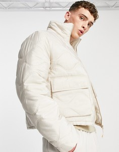 Светло-бежевая стеганая дутая куртка с воротником-стойкой ASOS DESIGN-Белый