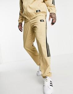 Бежевые тканые джоггеры с тремя полосками adidas-Светло-бежевый цвет