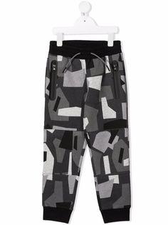 Stella McCartney Kids спортивные брюки с камуфляжным принтом