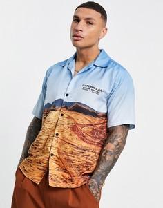 Многоцветная рубашка со сплошным принтом с пустыней, короткими рукавами и отложным воротником Caterpillar-Многоцветный
