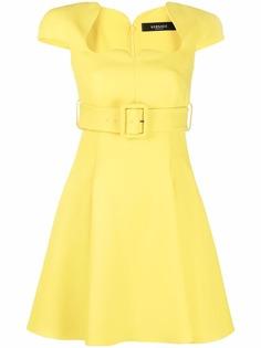 Versace расклешенное платье с поясом