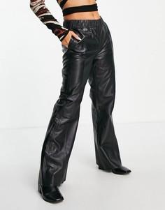 Черные широкие брюки из натуральной кожи с эластичным поясом Selected Femme-Черный цвет