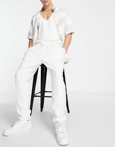 Серовато-белые суженные книзу брюки со складками Topman-Белый