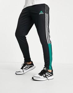 Черные джоггеры с зелеными полосками adidas Tiro Football-Черный цвет