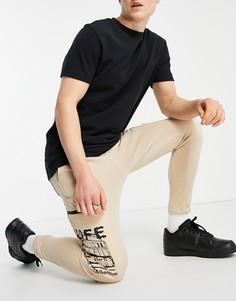 Джоггеры карго светло-коричневого цвета с карманами с принтом Bershka-Коричневый цвет