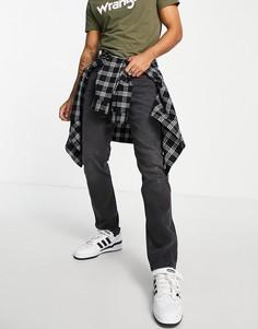 Джинсы классического кроя Wrangler Greensboro-Черный цвет